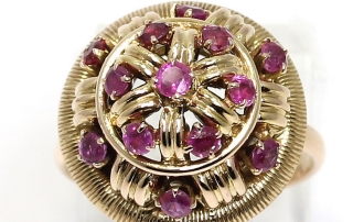 Big, gold ruby ring